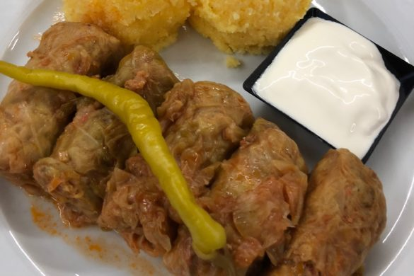 Sarmale Cu Mamalicuta Restaurant Acasa