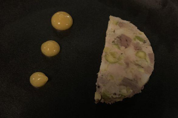 Terrina de Foie, Mollejas y Pistachos Restaurante La Cabra