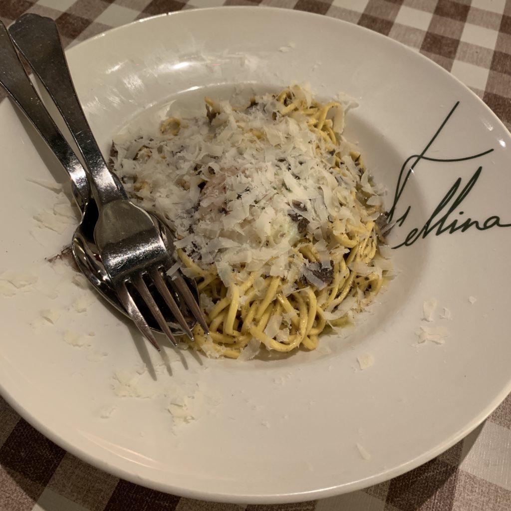 Espagueti con Trufa, Queso Parmesano