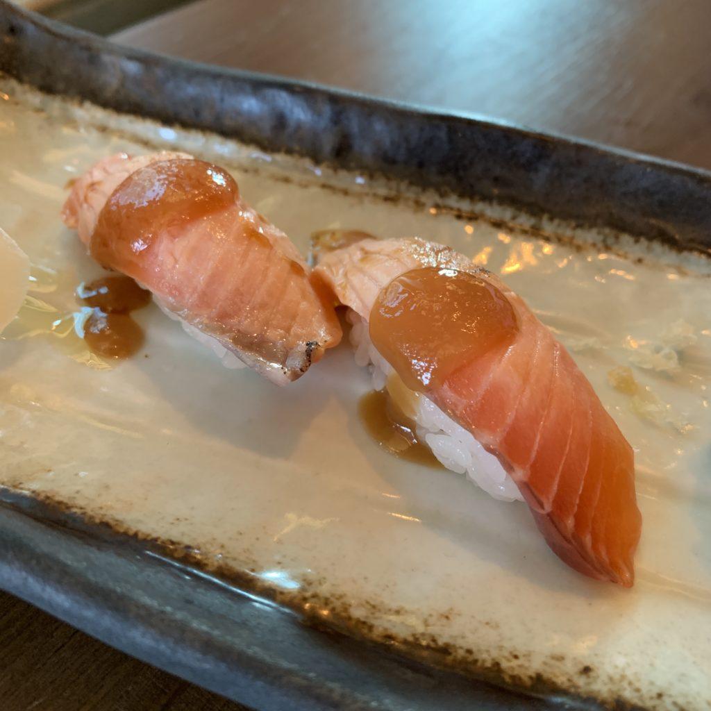 Nigiri de Salmón y Miso Dulce Umo Restaurante