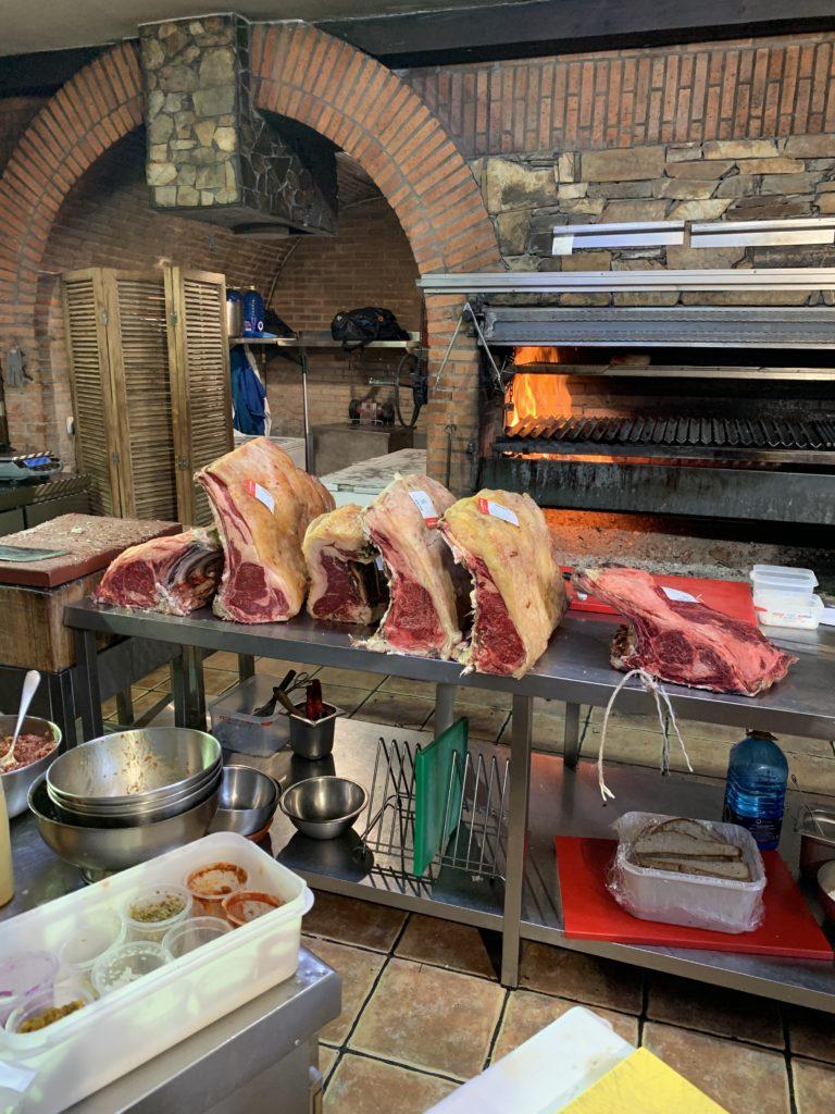 Carnes y Parrilla Bodega El Capricho