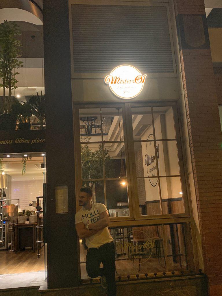 Cenando con Pablo en Mister O1 Extraordinary Pizza